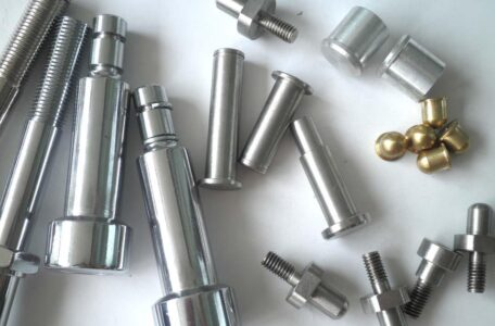 Imported CNC lathe processing machine tool equipment and debugging (2)