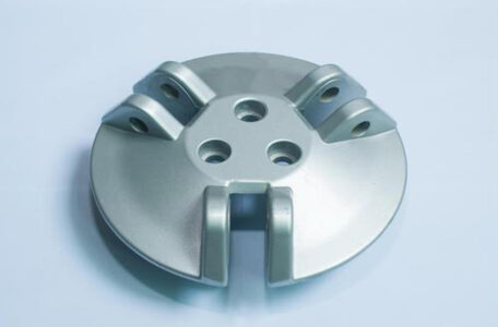 Introduction to the method of aluminum alloy die casting to solve casting porosity